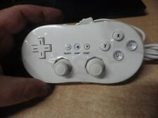 NINTENDO WII CLASSIC WHITE CONTROLLER EXCELLENT CORDED