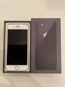 White Apple iPhone 6s Unlocked 128GB with box
