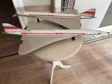 Avion joustra