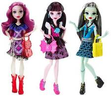 Monster High First Day of School Frankie Stein Draculaura Ari Huntington 3 Dolls