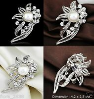 superbe BROCHE argenté, perle blanc cassé, strass transparent, bijoux fantaisie