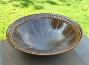 Wedgwood Pennine large salad bowl in excellent used condition brown