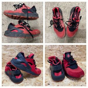 Nike Hurrache QS Love / Hate Trainers Red and Black Size 8