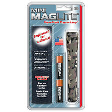 Maglite M2A02H Camo Mini 14-Lumen 2-Cell AA Incandescent Flashlight Holster Pack