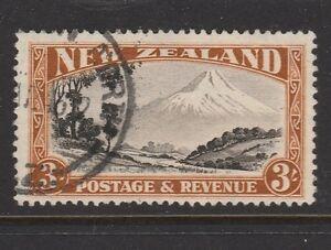 1935 NZ 3/- Mt Egmont Sg 569 VFU CV £55