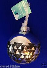 Boule de Noël - Verre Argenté Brillant Triangles Paillettes Noires (8cm)