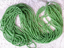 VTG HANK HIGH LUSTER LEAF GREEN GLASS OPAQUE SEED BEADS #070517z