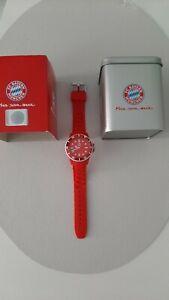 FCB FC Bayern Uhr Fanartikel Fanuhr Rot
