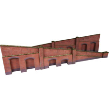 Metcalfe PO248 Tapered Retaining Wall in Red Brick OO/HO Gauge Card Kit