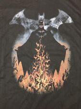 Batman Flaming Smoke Logo Very unique Men's T-shirt XL DC Comics NEW Gotham