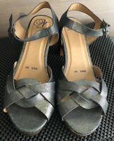 Mantaray Womens Block High Heel Platform Sandals Uk Size 6 Merallic Gold BNWoB