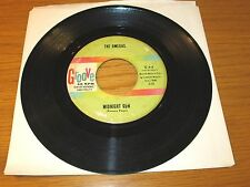 "INSTRUMENTAL 45 RPM - THE OMEGAS - GROOVE 4 - ""MIDNIGHT RUN"" + ""I WANNA GO HOME"""