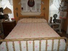 STUNNING VINTAGE HAND~MADE CROCHET CHIC WHITE & RAISED PINK ROSES BEDSPREAD