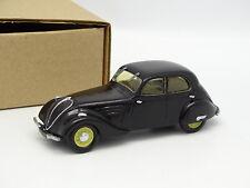 IDEM Kit Montado 1/43 - Peugeot 402 B Ligera Negra