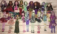 Huge Monster High Doll Lot Stands Accessories Pet Clothes Shoes Luggage Locker