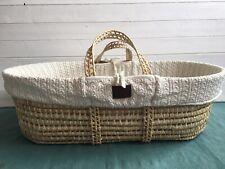 Little Green Sheep Moses Basket Bundle | Honey | Organic Cotton | Oval