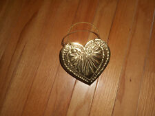 GOLD METAL HEART SHAPED BASKET PUT ON THE WALL TO HANG FLOWERS OR PENS W NOTES