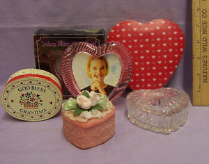 Lot of 4 Trinket Containers Hearts Oval in Glass Ceramic Tin Wood & 1 Frame