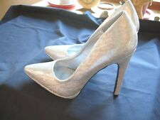 Gorgeous Womens Qupid Silver Glitter High  Heels Size 9 Brand NEW !!
