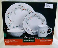 PFALTZGRAFF WINTERBERRY CHRISTMAS 16 PCS DINNERWARE SET DISHWASHER MICROWAVE NEW