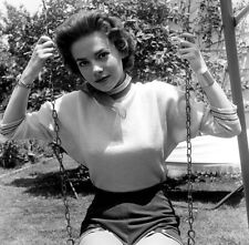 NATALIE WOOD - ON A SWING !!