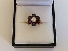 GARNET & PEARL FLOWER CLUSTER RING 9ct 375 YELLOW GOLD red gemstone white gem
