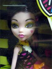 New Monster High Creepateria Draculaura Daughter of Dracula Doll Mattel NEW MIB