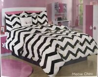 Bebe Twin Comforter Set Cat Pillow Meow Chevron Black White Polka Dot Dorm 4 Pc