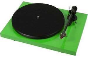 New! Pro-Ject RPM 3 Carbon Turntable - Green, Debut - Carbon