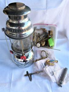 Auflösung-Fundzustand-Rarität-Ältere Petroliumlampe mit viel Zubehör-Sturmlampe