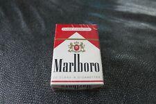 Ancien paquet de cigarettes pour collection Marlboro sous blister
