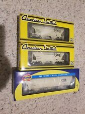 Ho Scale CSX American Limited 2 bay and Athearn 3 bay covered hopper cars NIB