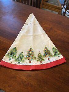 "Fiesta Homer Laughlin 70"" Round Christmas HOLIDAY Tablecloth Christmas Trees"