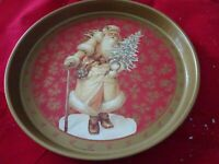 Vintage Holiday Serving Tray Metal Round 12'' Father Christmas/Folk Art Santa