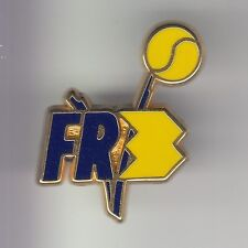 RARE PINS PIN'S .. TV RADIO PRESSE FR3 FRANCE 3 TENNIS BALLE OR DECAT 3D ~DB