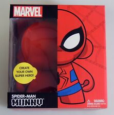 ESZ417. MARVEL Comics SPIDER-MAN MUNNY Figure by KIDROBOT Made in China (2013)