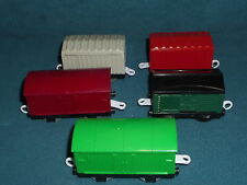 THOMAS THE TRAIN GULLANE HIT TOY CO MATTEL FIVE SMALL BOX  CARS
