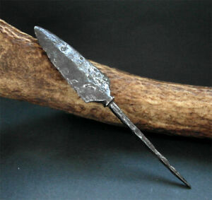 A GENUINE ANCIENT VIKING IRON ARROW HEAD - museum condition