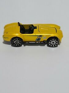 Mattel Hot Wheels 427 Ford Shelby 3923 Yellow Gold Made In Thailand Toy Car