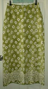 American Eagle Womens Size 8 (28x38) Green Floral Long Skirt 75-14743