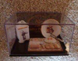 Reutter Porzellan Hummel Miniature Baking Set