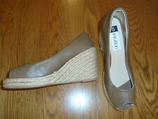 BNWOT ladies coffee brown wedge platform shoes.Size 5. Intuition