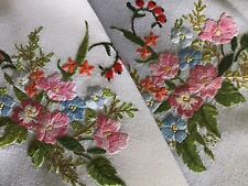 GORGEOUS VINTAGE HAND EMBROIDERED TABLECLOTH~BEAUTIFUL FLORAL DISPLAYS
