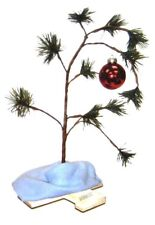 BRAND NEW! 18 INCH PEANUTS CHARLIE BROWN CHRISTMAS TREE WITH LINUS BLANKET!