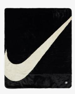 NWT Nike plush faux fur blanket 6'x4'