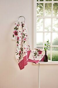 Bathroom Towel set floral pattern. 2 Bath Towel + 2 Face/Hand Towel set