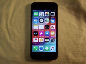 Black/Gray Apple iPhone 5s GSM Unlocked 16GB model A1533                     n5y