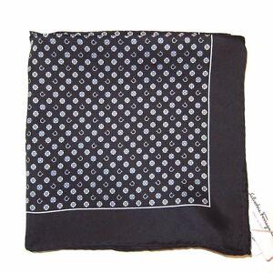 J-919942 New Salvatore Ferragamo Black White Print Handkerchief 16x16