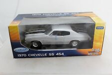 1970 Chevy Chevelle SS454 by Welly 1:18 Metal Silver in box