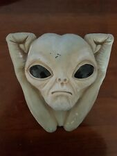Space Alien Face Rubber Latex Mould Mold Wall Decorative Hanging Plaque ET New